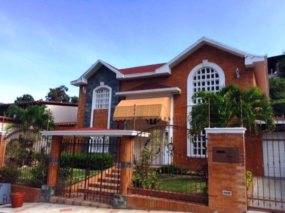 Se Vende/alquila Casa 520m2 4h+s/4b+s/4p La Tahona