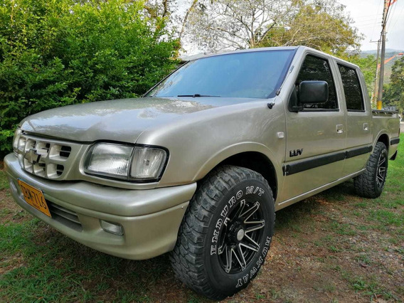 Chevrolet Luv Doble Cabina, Platon