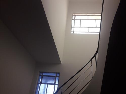 Imagen 1 de 14 de Alquiler. Casa Grande Dos Pisos Con Garage En Santos Lugares