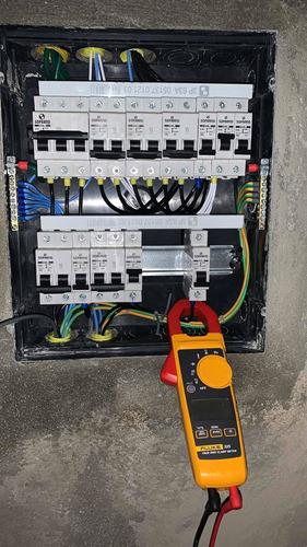Imagem 1 de 4 de Serviços Eletricos