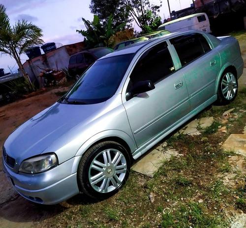 Imagem 1 de 2 de Chevrolet Astra Sedan 2000 1.8 Milenium 4p