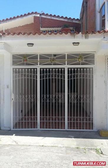 Luisa E. Vende Casa Castillejo Mls #19-12