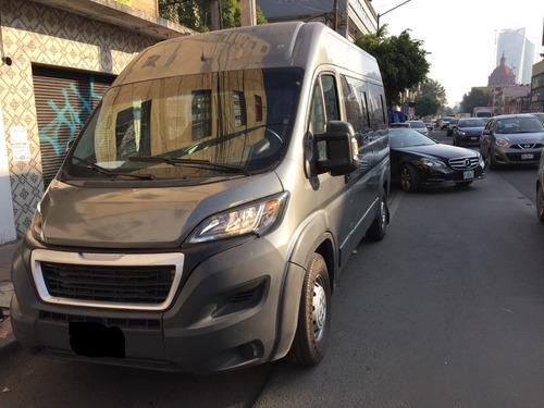 Imagen 1 de 9 de Renta De Camionetas Baratas Con Chofer 14 Pasajeros Cdmx