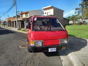 Nissan Vennette 9 Pasajeros 1989