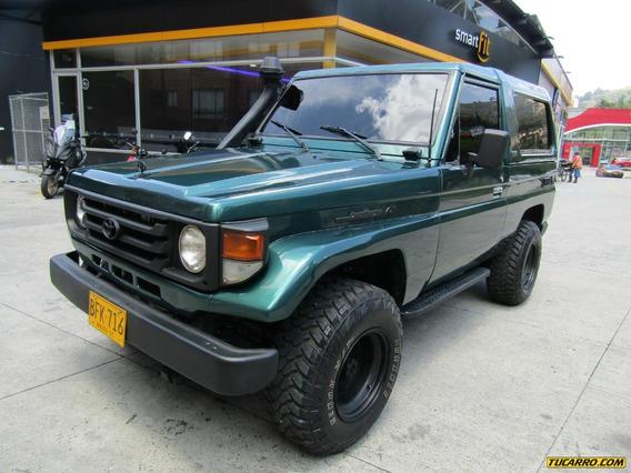 Toyota Land Cruiser Mt 4500 4x4