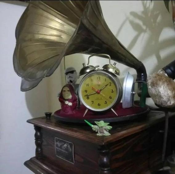 Vitrola Antigua Marca Victor