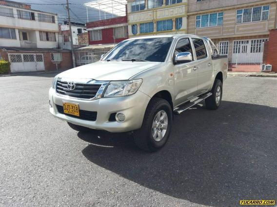Toyota Hilux Mt 2500