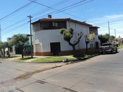 Oportunidad Casa De 4 Ambientes Con Garage En Palomar!!!!