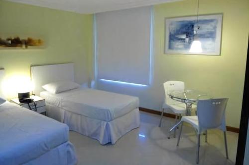 Imagem 1 de 18 de Apart Hotel Mobiliado A Venda Com 28 Quartos E Sala Na Barra - Sfl540 - 68917543