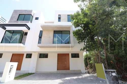 Casa En Venta En Cancun Arbolada A5
