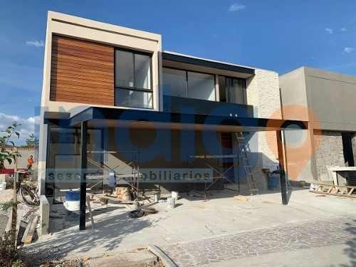 Casa Nueva En Venta En Altozano