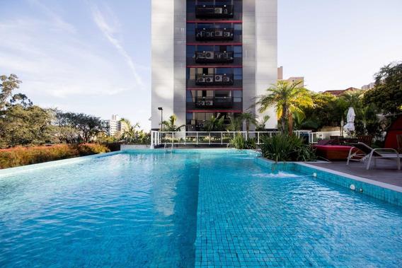 Apartamento Em Petrópolis Com 2 Dormitórios - Sc10830