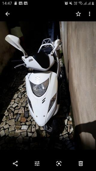 Moto Suzuki Burgman 2013/2014