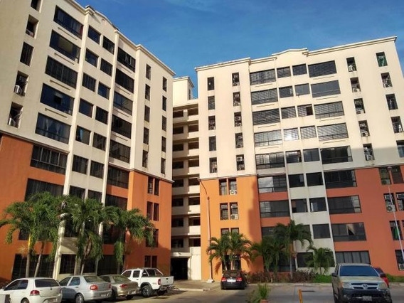 Apartamento En Venta Urb. Bosque Alto - Maracay 20-17176hcc