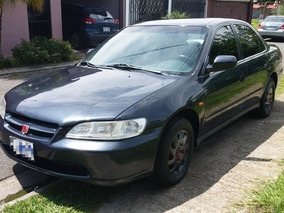 Honda Accord Sedán 2200cc