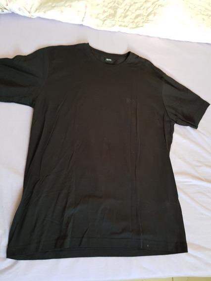 Camiseta Hugo Boss Original Tamanho L Pouco Usada