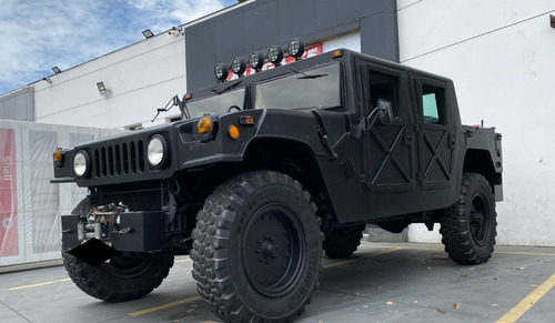 Hummer H1 - Replica