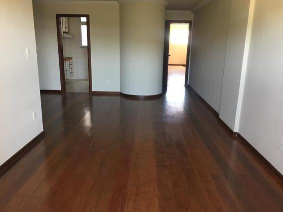 Apartamento Com 3 Quartos - Centro, Frente Para Ufv - 5812