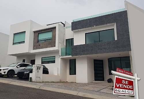 Preciosa, Zen House, 4 Recámaras, Estudio, Roof Garden, Alberca, Tabique Rojo..