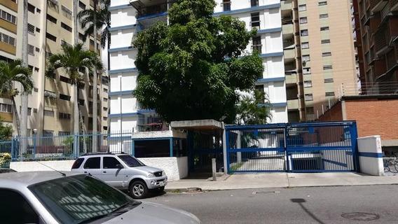 Rc Apartamento En Venta En Los Palos Grandes Rah # 20-3211