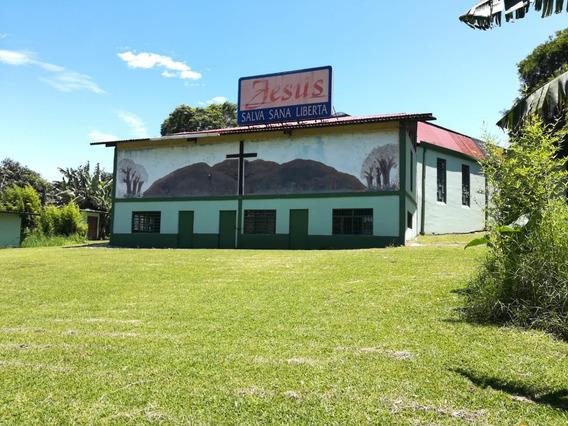 Terreno Con Iglesia - Área Comercial