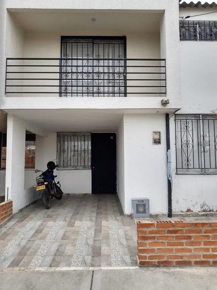 Alquilo Excelente Casa En Barrio Oasis De La Italia En Palmi