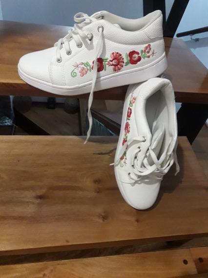 Zapatillas Blancas Bordadas