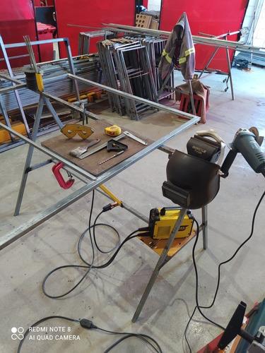 Serviços Em Metalon Como Mesas, Cadeiras, Cavaletes Etc