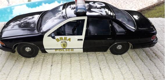 Miniatura Chevrolet Caprice Police Brea