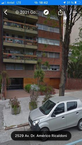 Cochera Fija A Nivel Calle, La Blanqueada, Parque Batlle