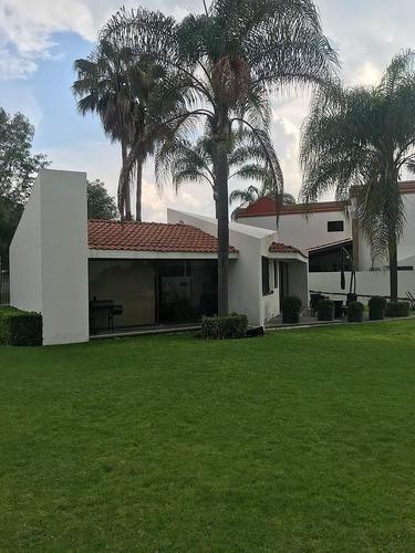 Uh Hermosa Residencia En Club De Golf Juriquilla, Querétaro
