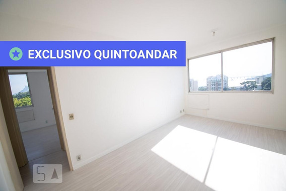 Apartamento No 14º Andar Com 2 Dormitórios E 1 Garagem - Id: 892908842 - 208842