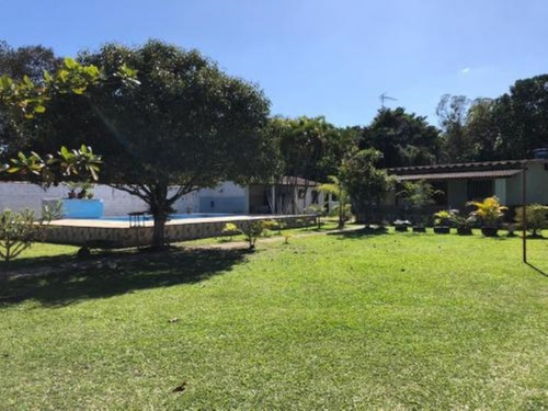 Chácara No Litoral Com Piscina E 2 Dormitórios Em Itanhaém