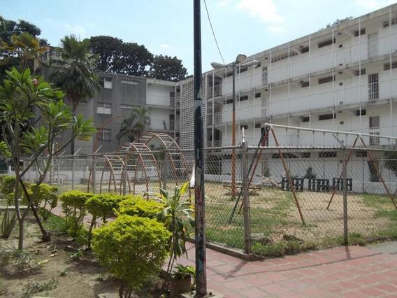 Vendo Apartamento En Caña De Azúcar, Cerca De La Simón Rodrí