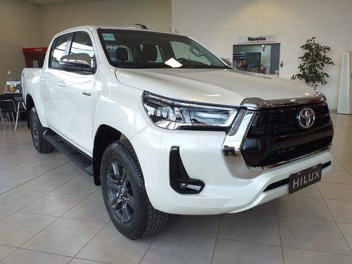 Toyota Hilux Srv 4x4 At My2021 2.8  204 Cv Marzo
