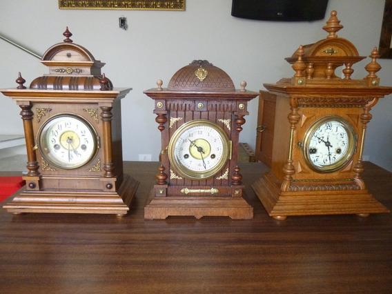 Três Belos E Antigos Relógios De Mesa - Junghans