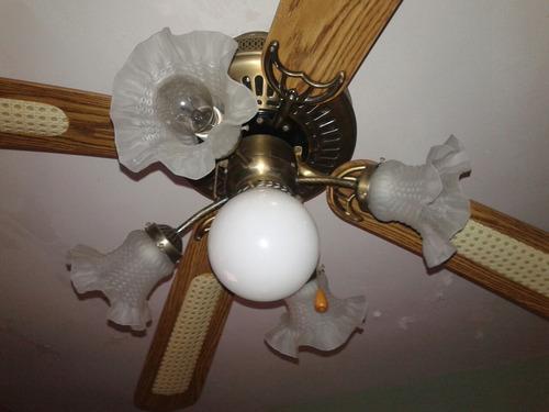 Lampara Ventilador De 5 Bombillos Y 4 Aspas.3 Velocidades