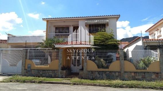 Casa En Urb. Valles De Camoruco (atc-451)
