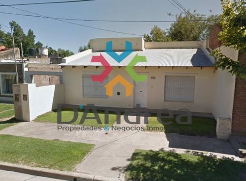 Venta / Oportunidad Casa En Calle 46 Entre 35 Y Av. Escolta