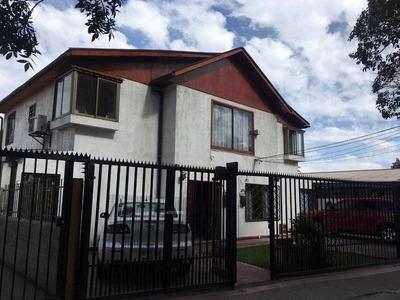 Gran Casa En Simón Bolivar - Av. Las Torres