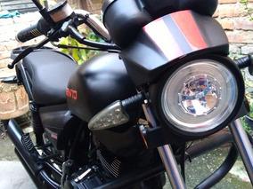 Motocicleta Vento Rebellian