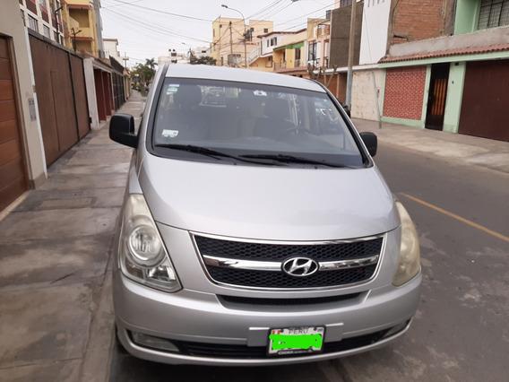 Hiunday H1 . Minivan