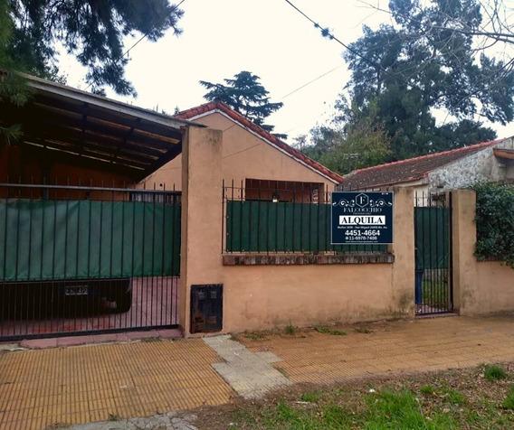 Casa En Alquiler De 3 Ambientes C/ Cochera En Bella Vista