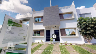 Casa Nueva En Venta De 3 Recámaras, 3 Niveles, Avenida Petempich, Playa Del Carmen.