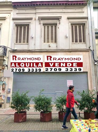 Peatonal Sarandí - Excelente Local Comercial De 700m2