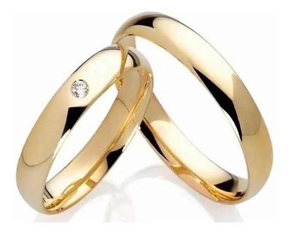 Par Aliança Em Aço Folheada A Ouro Com Pedra E Nomes Gravado