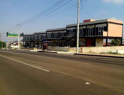 Se Renta Local Comercial En Plaza Sky Center, 200 M2 En Av. Principal, Ganalo!!!