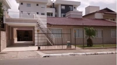 Casa Em Canasvieiras, Florianópolis/sc De 200m² 4 Quartos Para Locação R$ 700,00/dia - Ca252524