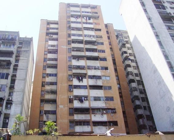 Caa- Apartamento En Venta - Mls #20-11299/ 04242441712
