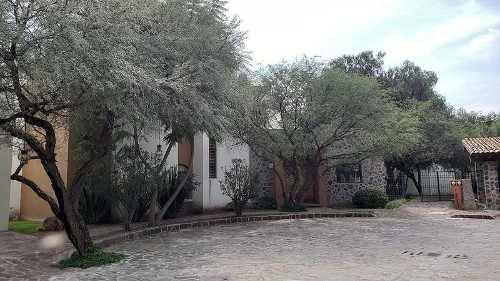 Casa En Venta En San Miguel De Allende. Casa Huizaches. 6 Recámaras.